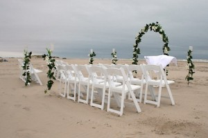 Outdoor weddings are a great way to save money!